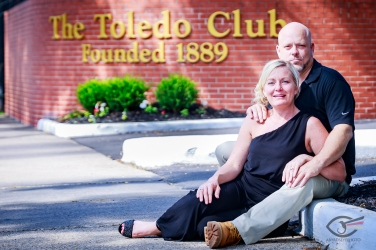Engagement Toledo Club Portraits
